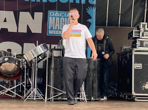 Gacin performing his DJ set at Magic Weekend